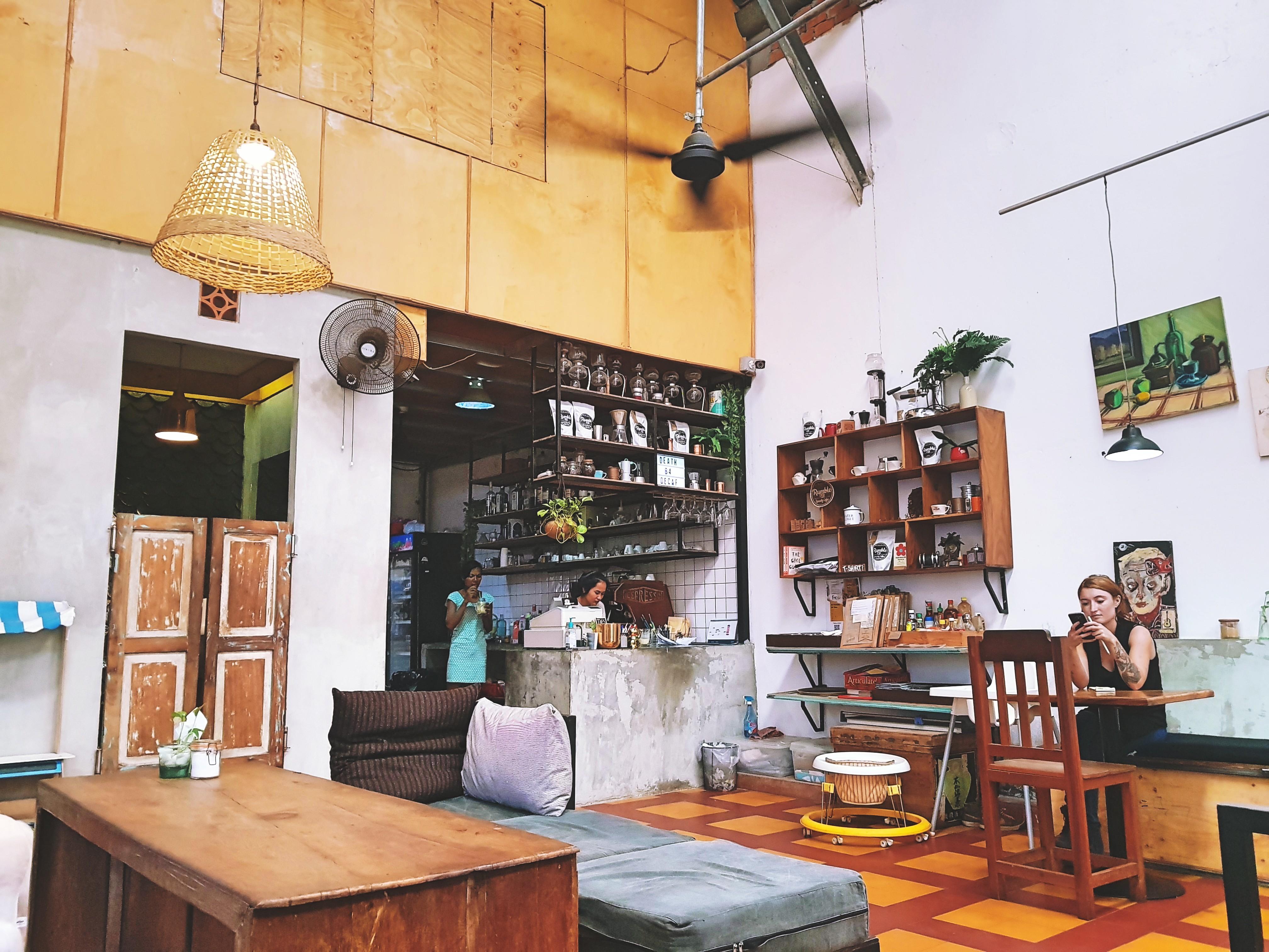 Cafe Espresso inside 2